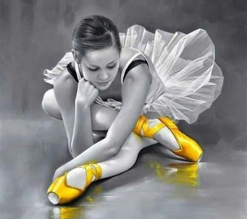 5D Diamond Painting Yellow Shoe Ballerina Kit