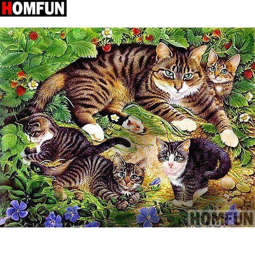 5D Diamond Painting Striped Cat and her Kittens Kit