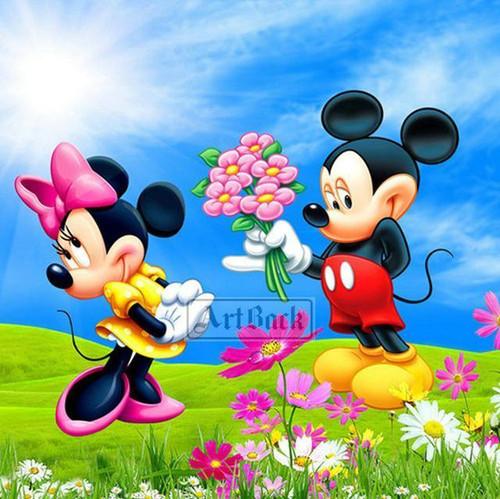 5D Diamond Painting Minnie and Mickey Pink Flowers Kit