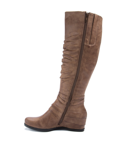 acd3bb7b05f Baretraps Quarles Women s Boots Taupe