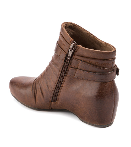 5adcabdcca5 Baretraps Sheigh Women s Boots Brush Brown
