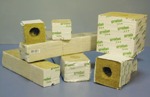GRODAN - ROCKWOOL CUBE DELTA 4 WITH HOLE 3X3X2.5