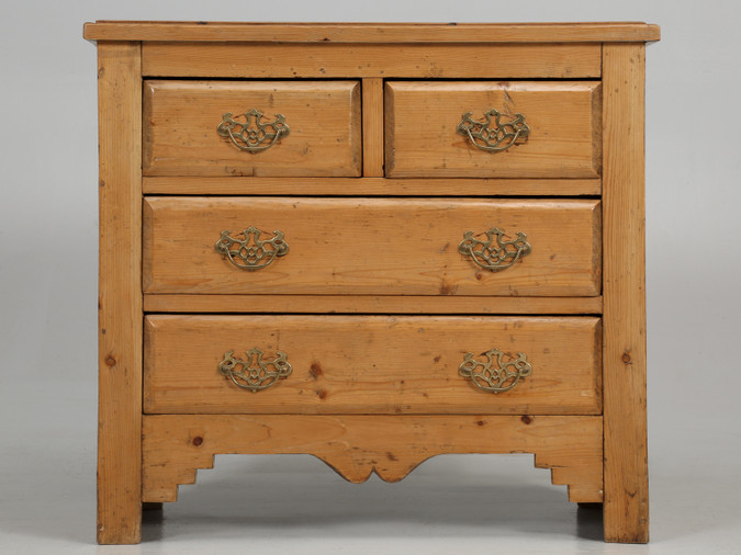Antique Country Pine Chest of Drawers or Dresser