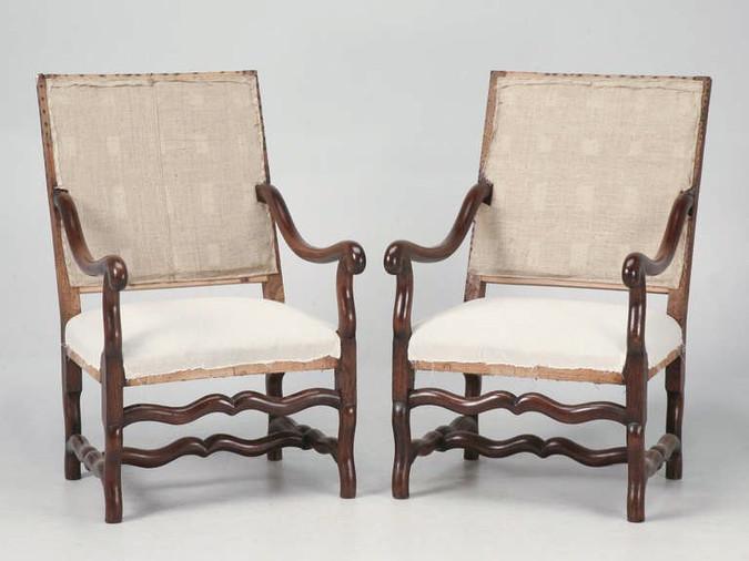 Pair of Antique Os de Mouton Oak Throne Chairs Front