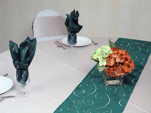 Nova Swirl Table Runner