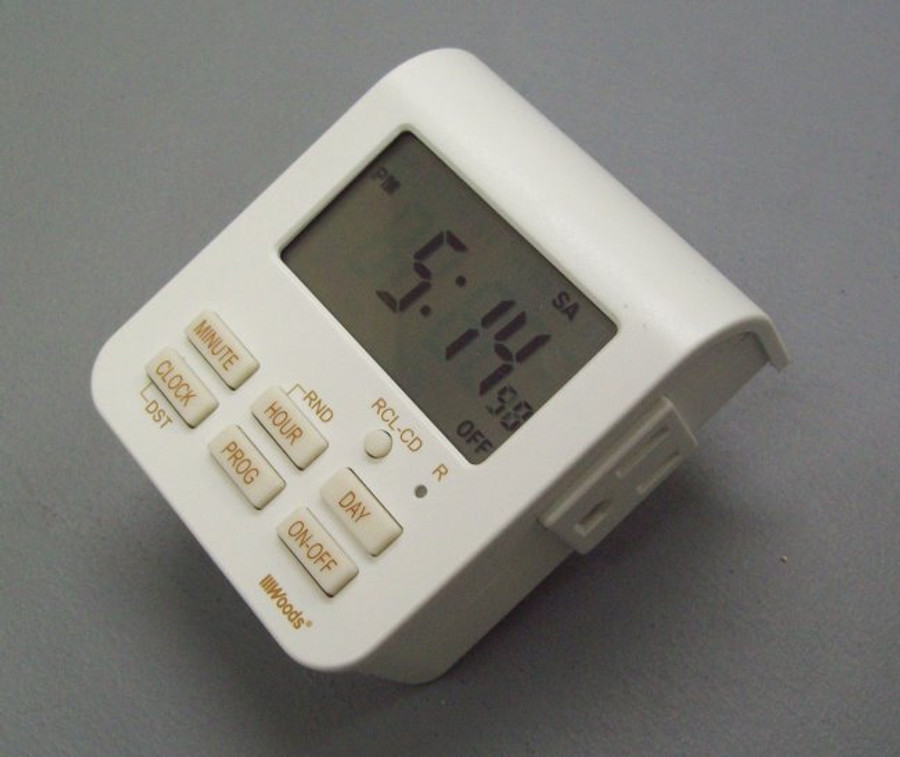 7-day weekly programmable timer with dual outlets for operation of double super feeders at same time