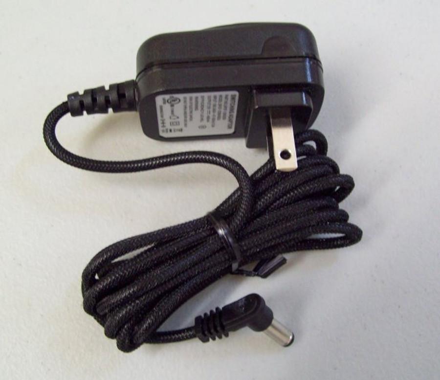 Power adapter for super feeder--100-240V to 12 VDC