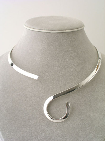 Omega Choker Alpaca Silver Fine Smooth Finish