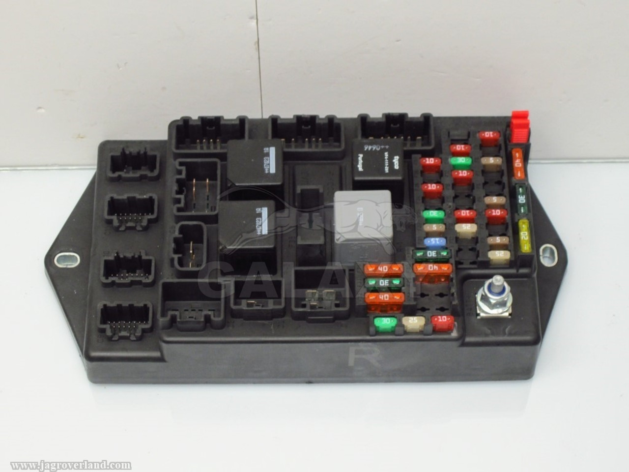 07-09 xk r rear central junction fuse box 6w83-14a073-ch c2p20669