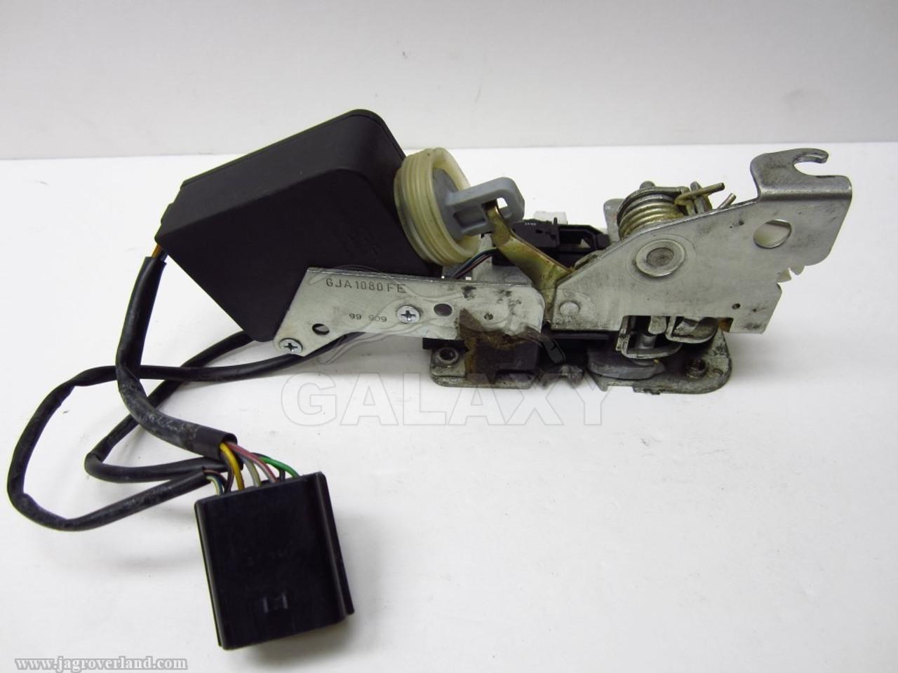 Door Lock Latch Actuator 97-02 Xk8 Right Passenger Gja1080Fe