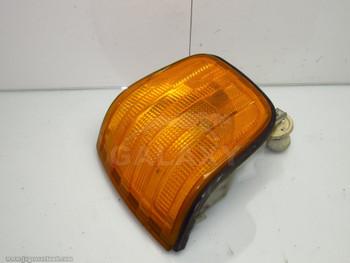 Mercedes W126 Front Left Turn Signal Light 560 420 380 Sel Se 1 305 233 081 1305233081
