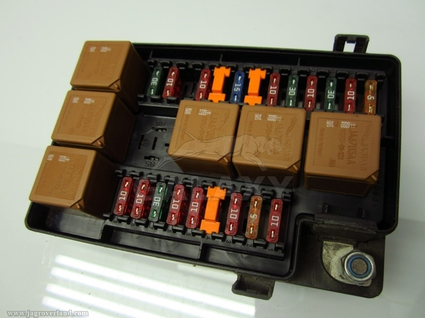 Fusebox 98-03 XJ8 XJR Engine Compartment Fuse Box LNF2822BA