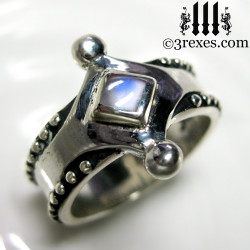the majestic medieval ring 925 sterling silver magic moonstone