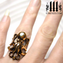 Bronze Octopus ring. Enchanted steampunk jewelry, model detail
