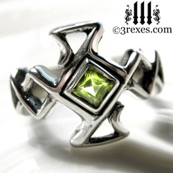 .925 sterling silver celtic cross ring with green peridot stone
