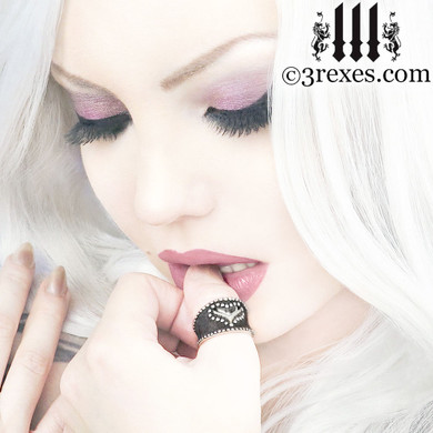 medieval studded heart ring .925 sterling silver band woman punk rock jewelry gothic model