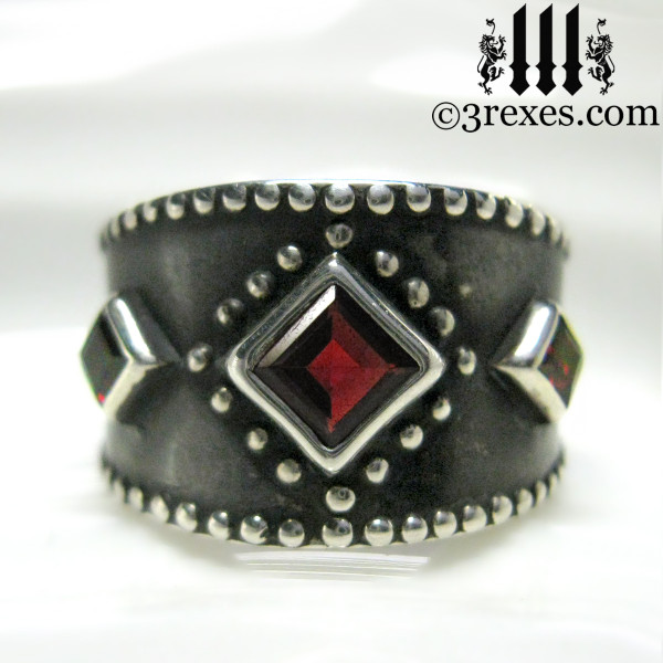 silver medieval ring with gothic garnet (dark antiquing)