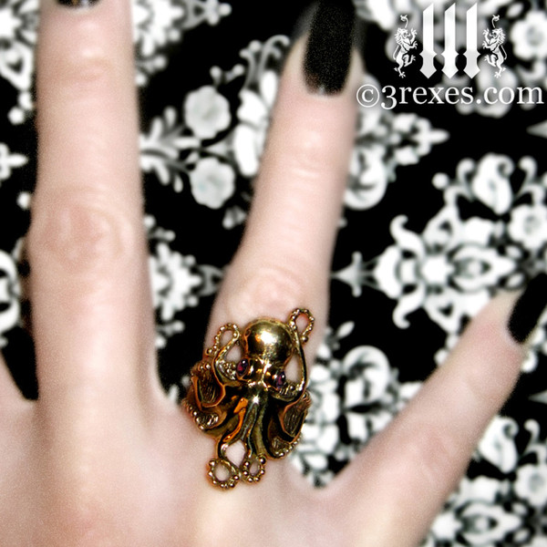 Octopus Dream Ring Gothic Bronze