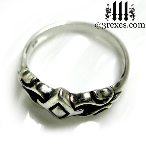 .925 sterling silver friendship ring top detail
