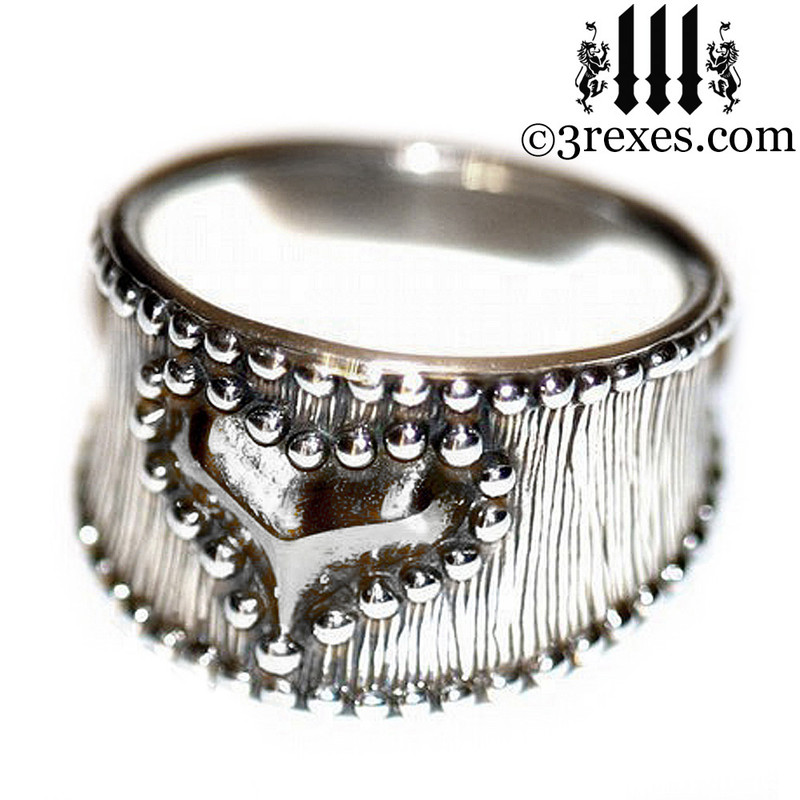 medieval studded heart wedding ring .925 sterling silver band woman punk rock jewelry side detail