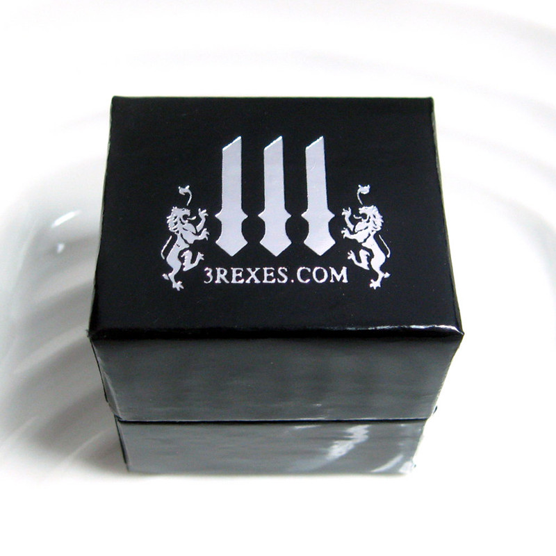 3 Rexes black glam ring box