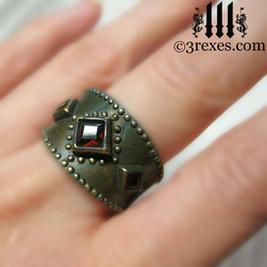 brass-3-wishes-ring-garnet-stone-medieval-gothic-wedding-jewelry-model-january-birthstone