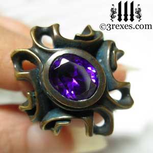 brass-empress-vampire-ring-gothic-japanese-amethyst-purple-stone-detail