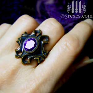 brass-empress-vampire-ring-gothic-japanese-amethyst-purple-stone-model-view-2