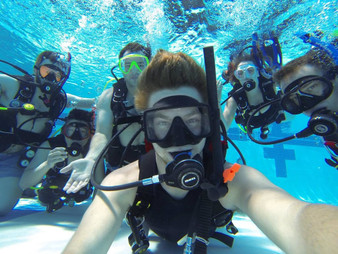 PADI Pool Discovery Dive