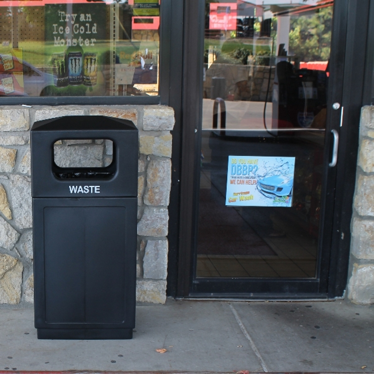39 Gallon Plastic Waste Can Store Front
