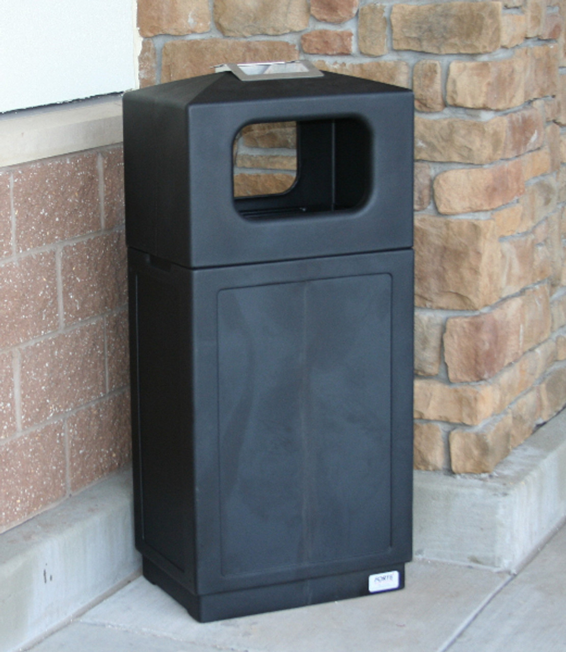 39 Gallon 2 Way Dome Top Outdoor Ash and Trash Can 8002155 Black