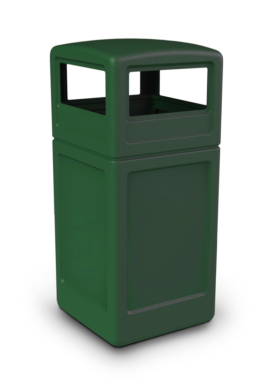 42 Gallon All Season Square Plastic Outdoor Garbage Can with Dome Lid Green