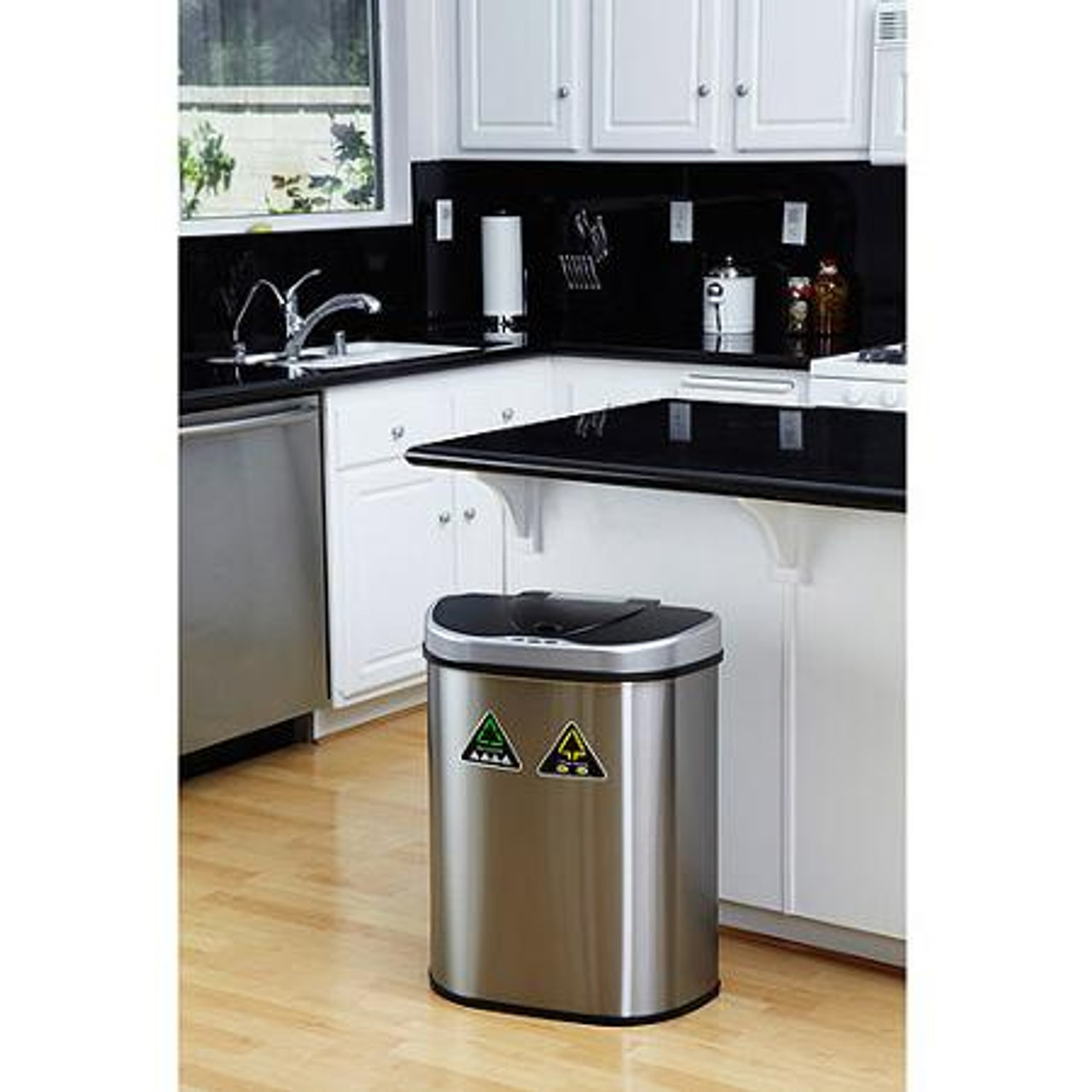 18 Gallon Touchless Automatic Kitchen Recycling Trash Can DZT-70-11R in Kitchen
