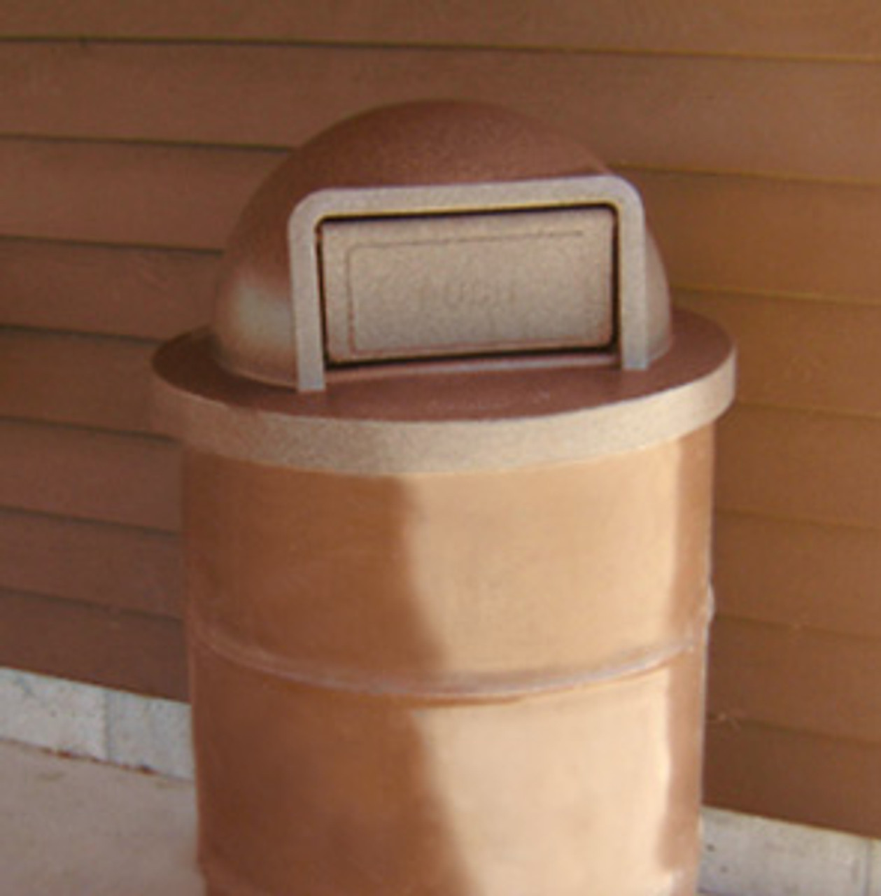 Dome Top Drum Lid on 55 Gallon Steel Drum