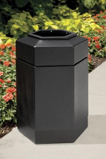 50 Gallon All Season Outdoor Hexagon Plastic Garbage Can Outside