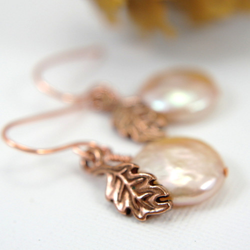 Pink coin pearl copper leaf earrings