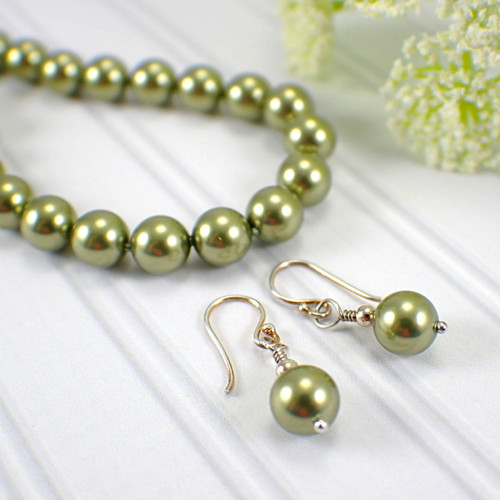Swarovski lime green crystal pearl 8mm bracelet earring set 8.5 inches