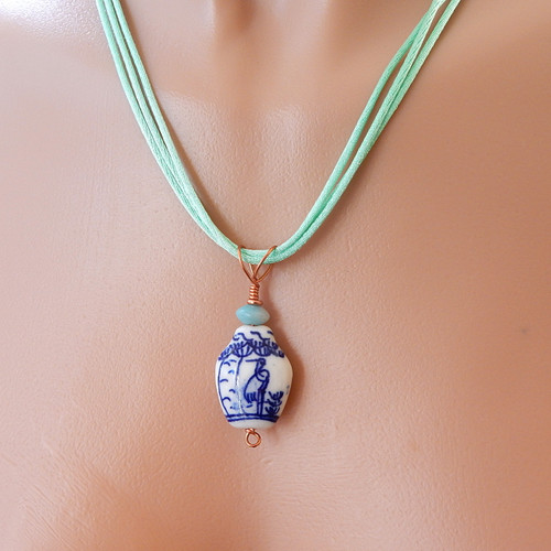 Blue and white painted china vase shaped bead pendant 20 inch