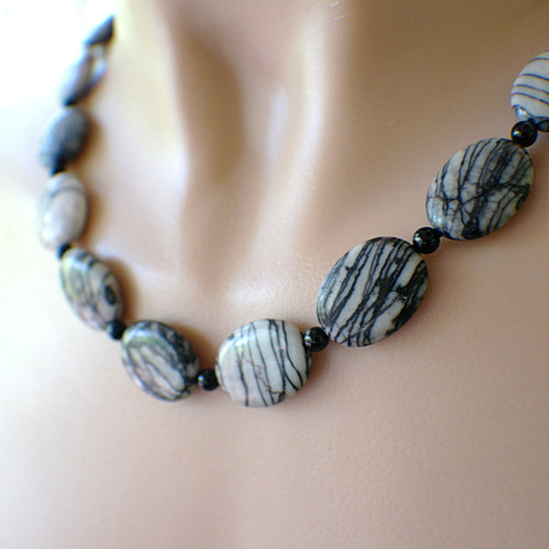 Web jasper gemstone necklace black and white zebra striped 21.5 inches