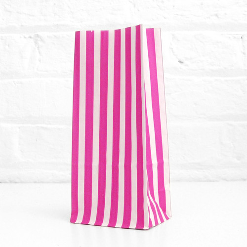 Tall Pink Striped Party Bags for birthday party favours, gifts, weddings, sweets tables and dessert buffets
