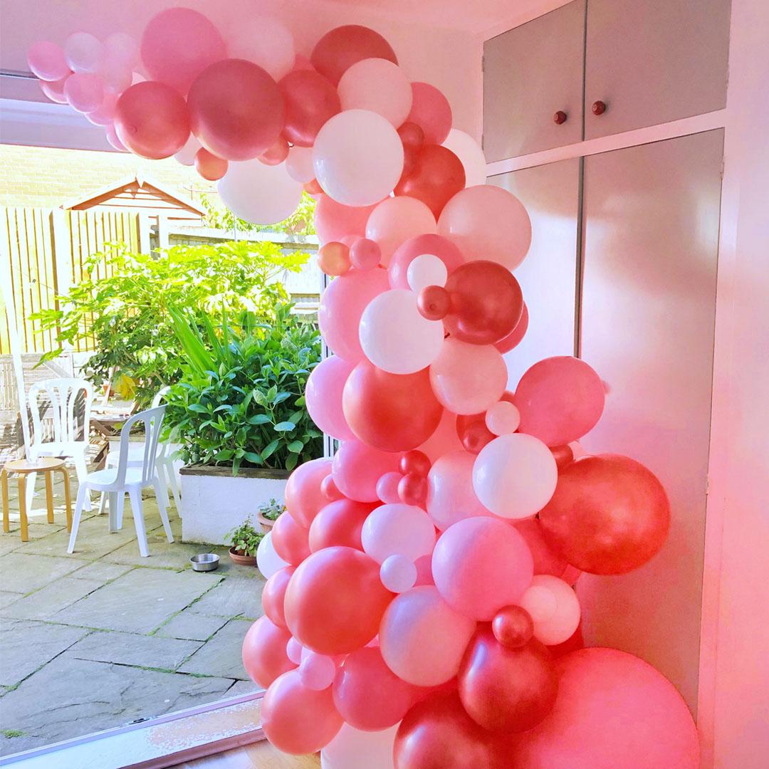 sqaure-bespoke-balloon-arch-installation.jpg