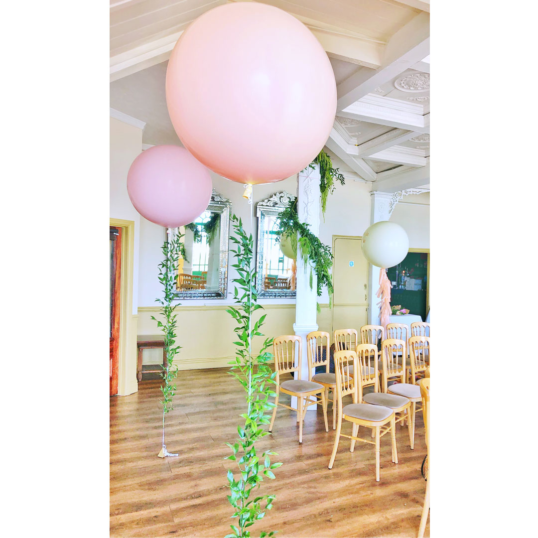 square-vine-pastel-wedding-balloons.jpg
