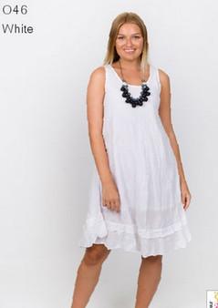 046 dress in white