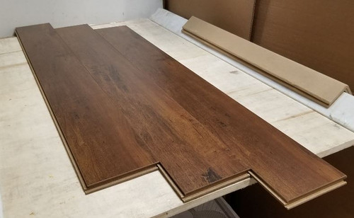 "WALNUT 6"" W x 1/2"" T Engineered UNICLIC Hardwood Flooring"