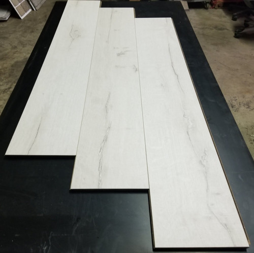 "SNOW OAK 6"" W x 1/2"" T Engineered UNICLIC Hardwood Flooring"