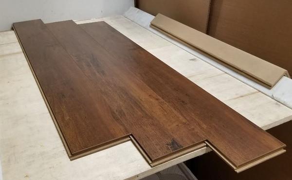 "WALNUT 6"" W x 1/2"" T Engineered UNICLIC Hardwood Flooring"