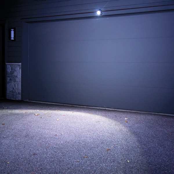 Mr. Beams MB360 Wireless LED Spotlight