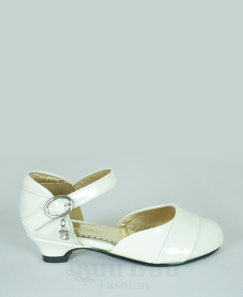 G370 Simple Patent Leather Girls Shoe with strap