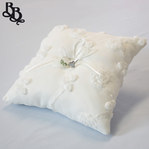 L391 Off White Cloudy Floral Ring Pillow