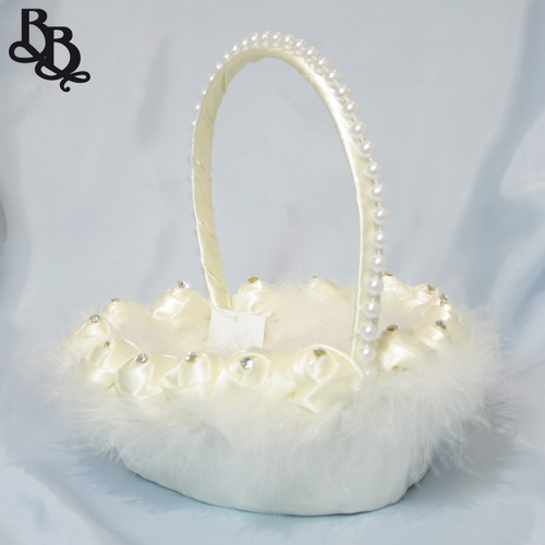 L402 Large Heart Shaped Floral Fur and Pearl Flowergirl Basket